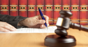 How To Select A Qualified Toronto Criminal Lawyers?
