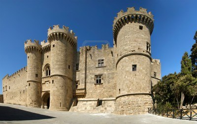 16322652-the-famous-knights-grand-master-palace-also-known-as-castello-in-the-medieval-town-of-rhodes