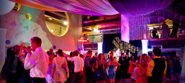 Prom Night: Setting Up The Perfect Venue