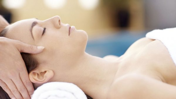 A Brief On Spa Facials- Why They Are Worth A Go For Your Acne, Scars and Pimples